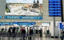 الشرطة التشيكية تحتجز 140 مسافرًا للاشتباه في تزويرهم اختبارات «كورونا»