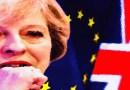 Britanijos svaras atsilaikė prieš politines perturbacijas