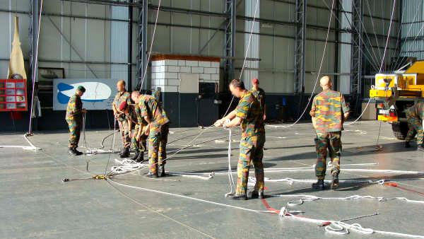 parachute training balloon crew