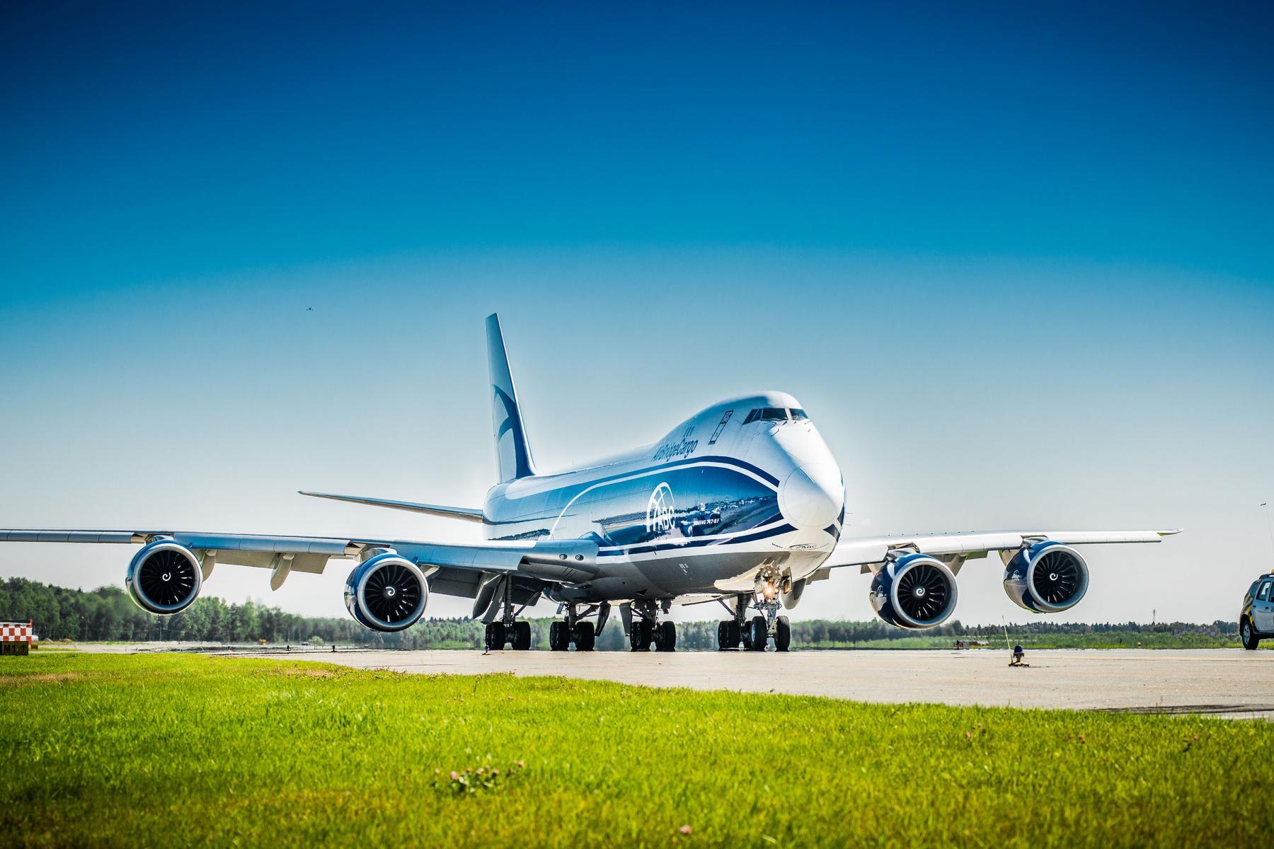 airbridgecargo airlines boeing 747