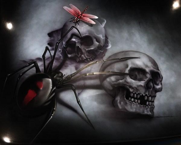 Skulls & Spiders Ute Advanced Airbrush