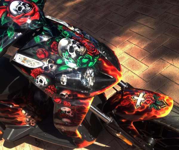 Roses And Skulls Moped Airbrush Art Usa