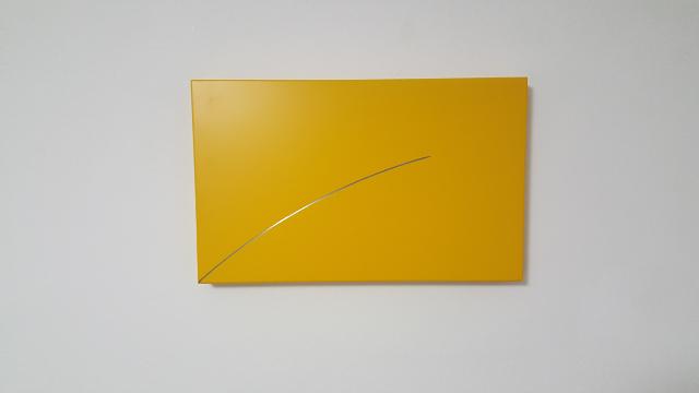 HELLMUT BRUCH - Radius 89cm - edelstahl/acrylfarbe - 1995 - 34x55x5cm