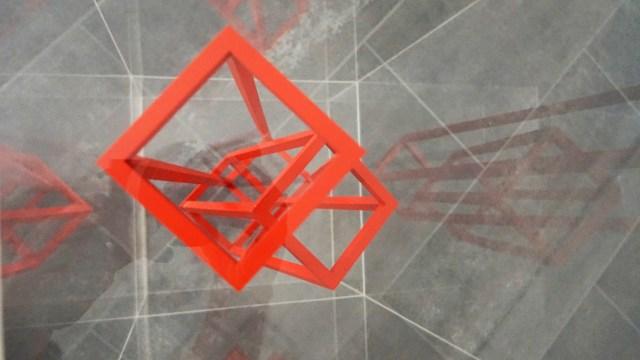HD SCHRADER - KUBUSHOCHZEIT, rot - 23x23x50cm - 2007 - foto|gwa