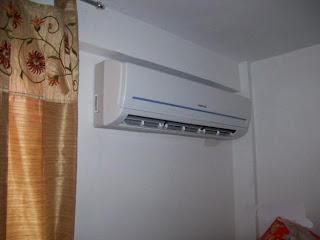 Bota agua el aire acondicionado