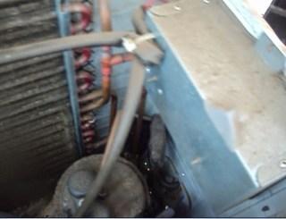 compresor de aire acondicionado split visto desde arriba