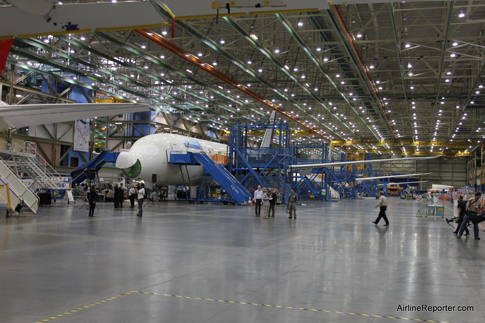 Photo Tour of the Boeing 787 Dreamliner Factory Floor