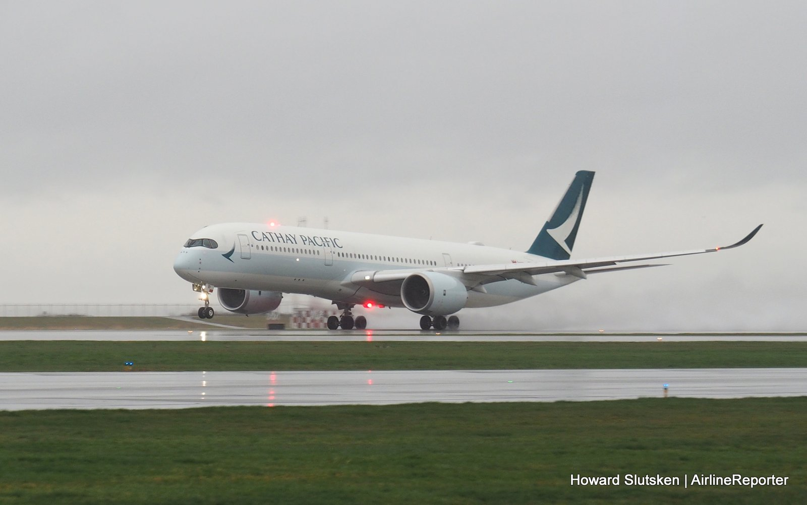 The Bandit Sneaks into YVR  Cathay Pacific Begins A350