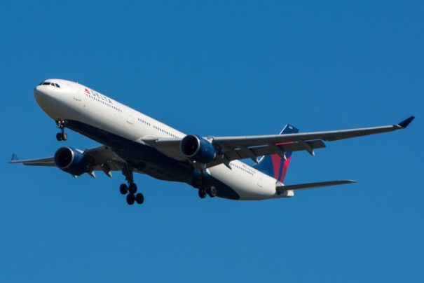 Here is a Delta Airbus A330-300 that my pal Jason Rabinowitz took.
