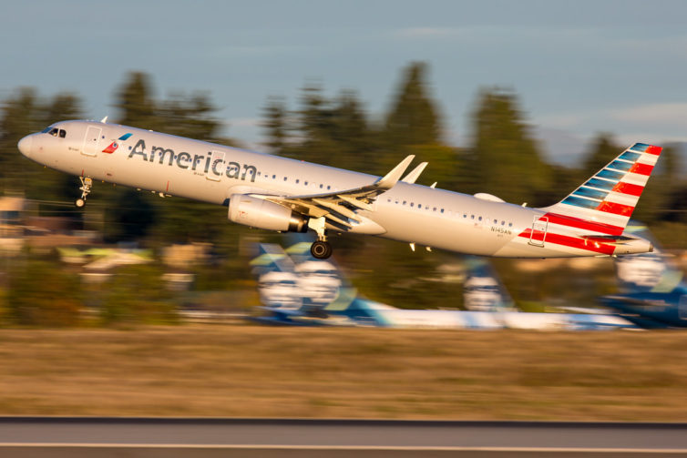 An American A-321 seen at golden hour. Photo: Jeremy Dwyer-Lindgren