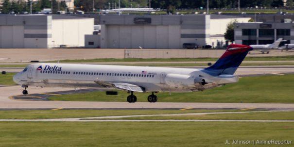 N940DL, an MD-88 departs St. Louis in September, 2010.