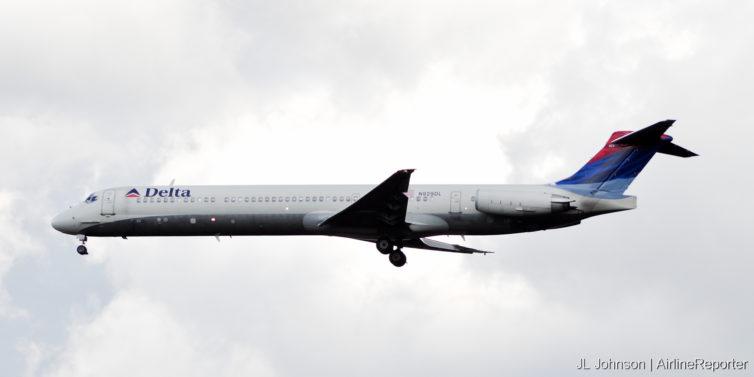 N929DL, an MD-88 lands at Dulles in October, 2010.