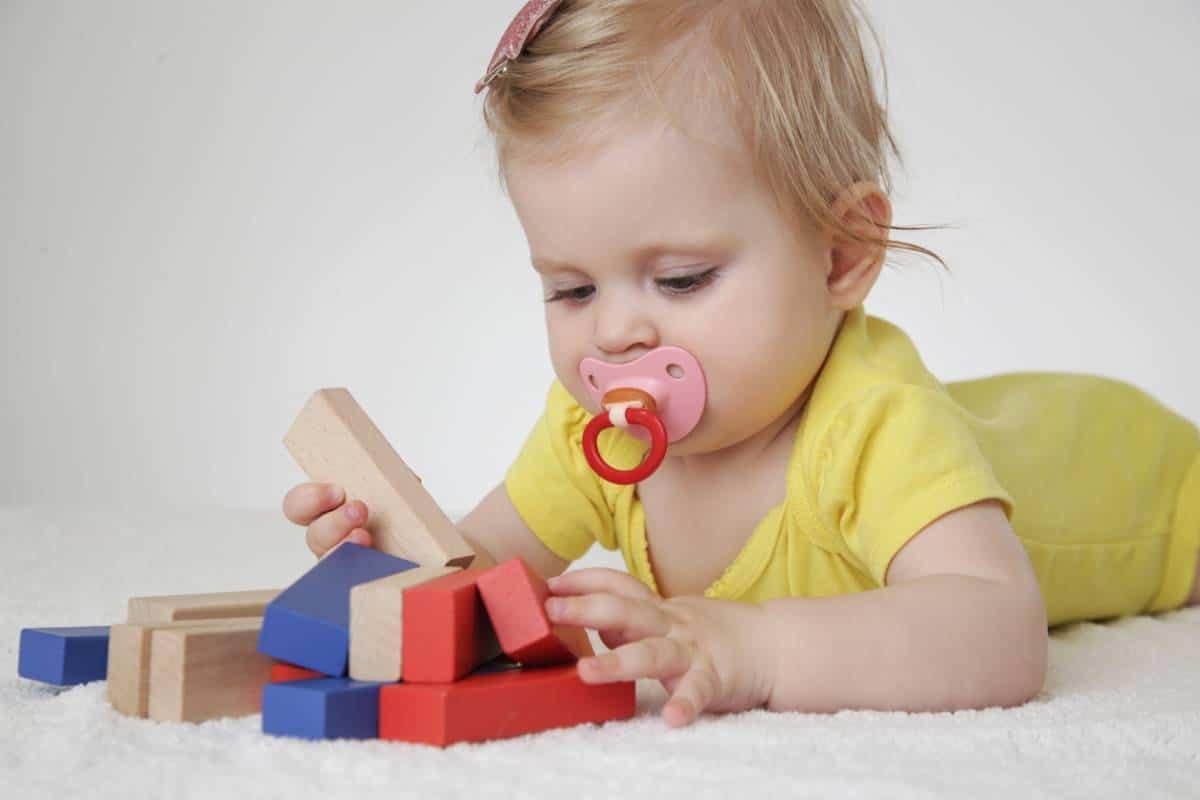 La balle de préhension Montessori
