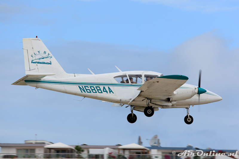 N6884A Piper PA-23-250 Aztec