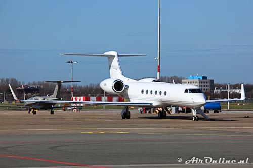 N2N Gulfstream G-V Steven Jobs