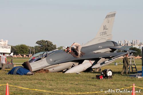87-296 / AL F-16C USAF (Oshkosh 30 juli 2011)