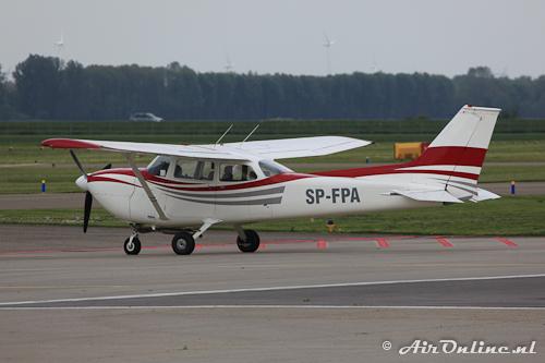 SP-FPA Reims-Cessna FR172J Rocket