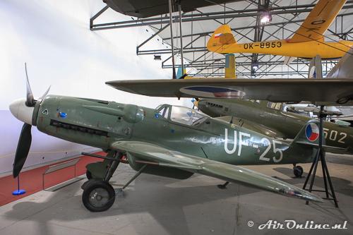 UF-25 Avia S-199 Mezek