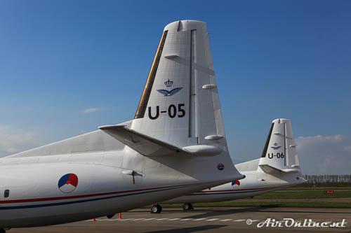 U-05 + U-06 Fokker 50 KLu samen op het platform