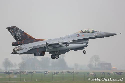 664 F-16AM RNoAF met speciale Tiger staart
