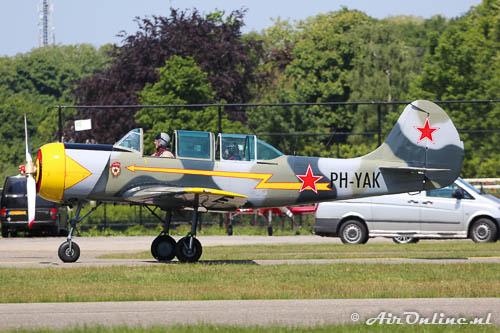 PH-YAK Yakovlev Yak-52