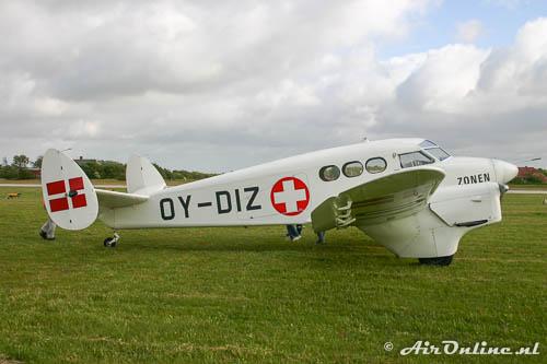 OY-DIZ SAI KZ IV met draaiende motor, zonder piloten aan boord!
