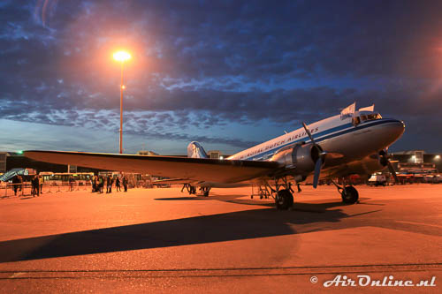PH-PBA Douglas DC-3 Dakota KLM op het platform