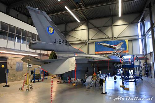 J-249 General Dynamics F-16A Fighting Falcon KLu