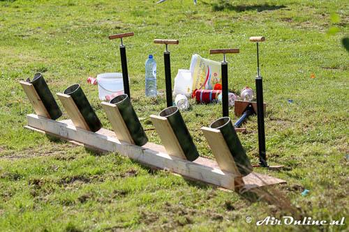 Lanceerinrichting voor de raketjes op luchtdruk