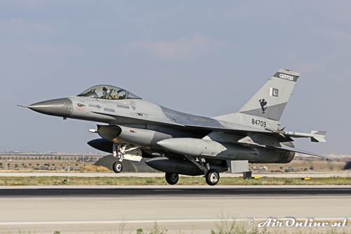 84709 General Dynamics F-16AM Fighting Falcon PakistanAF