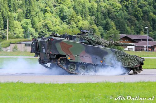 CV9030CH tank met een noodstop