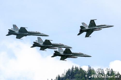 4x F/A-18A/B Hornet break