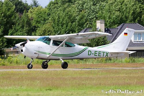 D-EETX Cessna T182T Turbo Skylane wordt ook voor parachutisten droppen ingezet