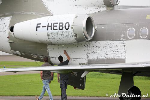 F-HEBO Dassault Falcon 900EX EASy wordt direct na aankomst geïnspecteerd