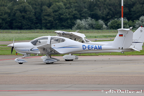 D-EFAM Diamond DA40 Diamond Star