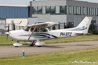 PH-STZ Cessna 172R Skyhawk II