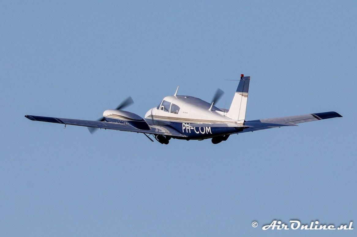 PH-COM Piper PA-30-160 Twin Comanche