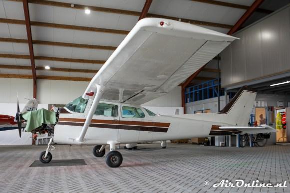 (PH-AWC) Cessna 172P Skyhawk II in zijn oude kleuren