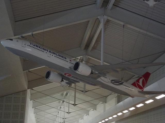 Birmingham Airport - Turkish Airlines by Elliott Brown