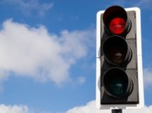 Air pollution 'dangerously high' for drivers at red lights ...