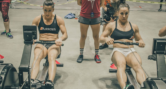 crossfit-girls-rowing