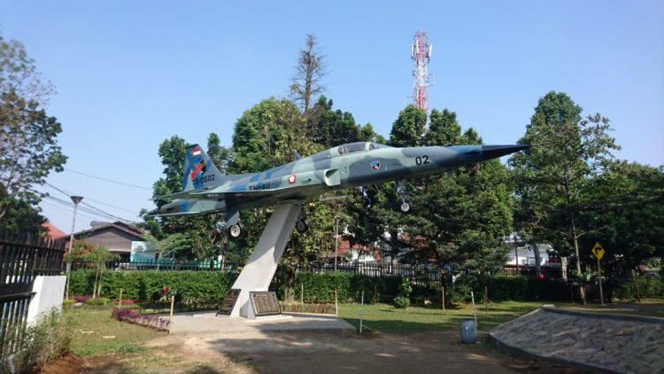 Monumen F-5