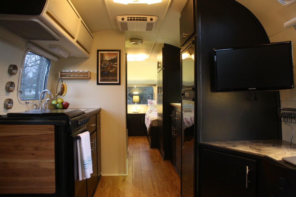 1974 Airstream Sovereign 31  Georgia