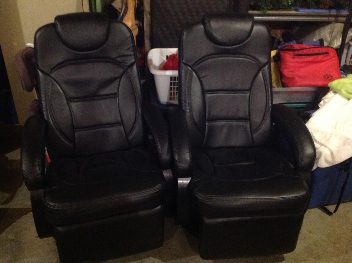 euro recliner chair serta office warranty registration 2 black leather recliners
