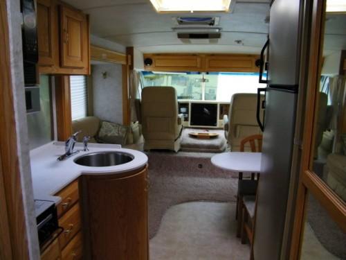 2004 Airstream Land Yacht 30 Gas Class A RV Airstream