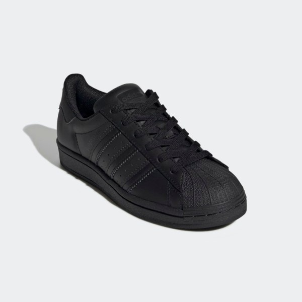 Superstar_Shoes_Black_FU7713_04_standard
