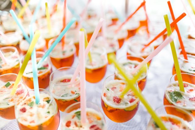 meyve ile parti kokteylleri