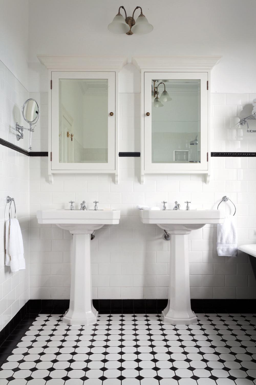 30 stunning art deco bathrooms