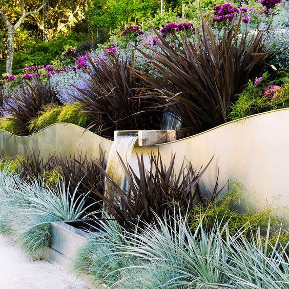 kıvrımlı organik teraslı bahçe