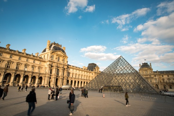 Ultimate Guide Paris Neighbourhoods Experience Transat